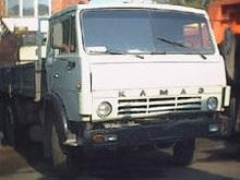 На украинской границе стоит многокилометровая очередь грузовиков