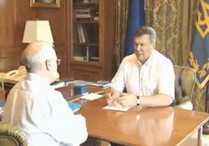 В интернет попало видео разговора Януковича с Азаровым