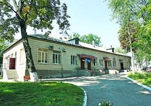 СМИ: В клинике Охматдет тяжелобольных детей переселили в полуподвальные помещения