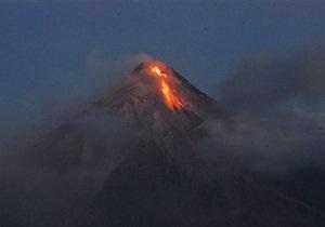 На Камчатке одновременно начали извергаться сразу три опасных вулкана
