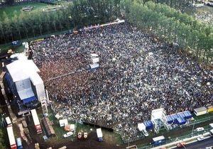 На музыкальный фестиваль в Бельгии неожиданно обрушился ураган. Число жертв растет
