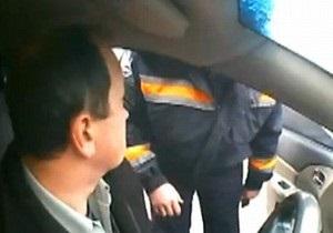 В Харцызске уволен гаишник, угрожавший водителю физической расправой