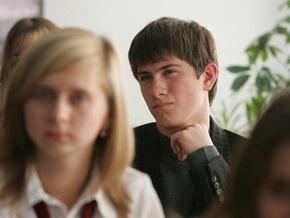 Сегодня выпускники украинских школ проходят пробное тестирование