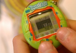 Сегодня знаменитая  электронная игрушка Тамагочи отмечает 15-й день рождения