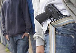 В Черновцах хулиганы избили в кафе сотрудника прокуратуры