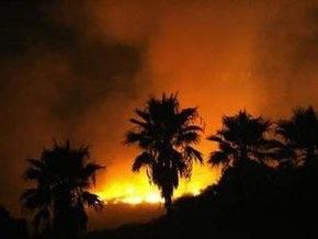 В Калифорнии объявлена эвакуация из-за лесных пожаров