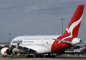 Пожилую австралийку оштрафовали за пьяную драку в самолете