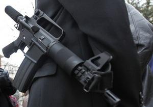 Американским телеведущим, продемонстрировавшим в эфире оружие, заинтересовалась полиция