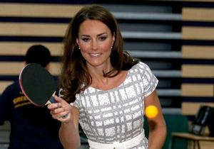 Герцогиня Кейт пришла на презентацию в платье за 35 фунтов