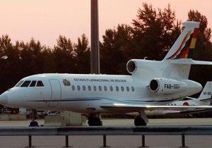 Самолет президента Боливии вылетел из аэропорта Вены