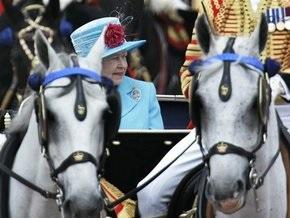Королева Великобритании наградила  местных героев