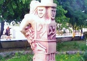 В Херсонской области после протеста священников демонтировали скульптуру языческого бога