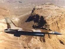 Израильские истребители вызвали панику в Ливане