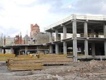 Евро-2012: Возобновлен демонтаж ТРЦ Троицкий