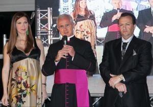 Монсеньор 500. Ватиканский епископ арестован по подозрению в мошенничестве