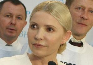 Кабмин назвал смехотворным заявление Тимошенко, что она не причастна к закупке вакцины