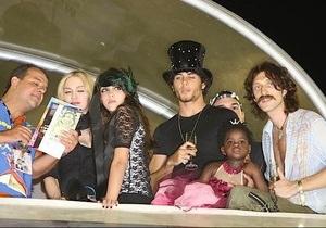 Мадонна пришла на карнавал в Рио в компании украинского музыканта