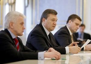 Литвин и оппозиция выступили против инициативы Януковича провести местные выборы осенью