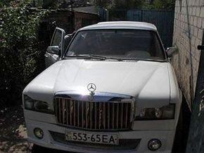 Украинец сделал лимузин из холодильников