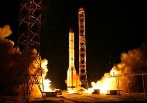 Роскосмосу удалось установить связь с одним из неудачно запущенных спутников
