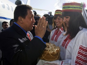 В ходе визита в Минск президент Венесуэлы передал Лукашенко привет от оси зла