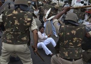 Перед выборами власти Индии выделили народу телугу свой штат. Протесты подавляют