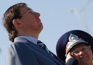 Луценко объяснил, почему Партия регионов инициирует его отставку