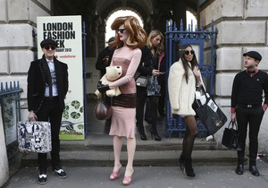 Фотогалерея: Street Style. Уличный стиль на London Fashion Week