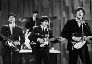 Гитару The Beatles продали на аукционе за $408 тысяч