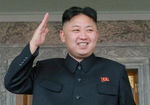 Новости КНДР - Ким Чен Ун в честь своего дня рождения раздал всем детям страны по килограмму конфет