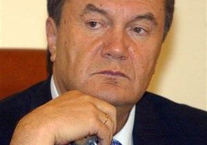 СМИ: В Симферополе из-за визита Януковича эвакуаторы расчищали дороги от припаркованных машин