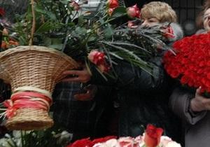 Руководство Качановской колонии отказалось передать цветы Тимошенко