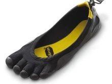 Шестая канадская  ступня в кроссовке  оказалась муляжом