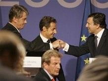 Саркози: ЕС не закрывает двери, но и не открывает их для Украины