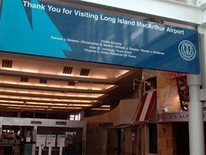 В аэропорту Нью-Йорка мужчина пытался пронести на самолет самодельную бомбу