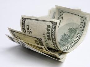 По итогам дня доллар на межбанке подешевел