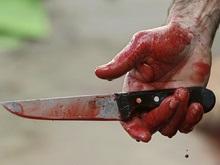 Окровавленный мужчина с ножом ворвался в вагон киевского метро