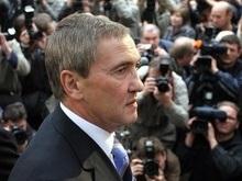 Черновецкий раздал квартиры многодетным семьям