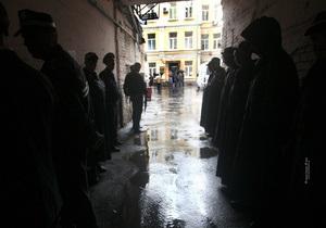 В суд пришел лечащий врач Тимошенко, но его к ней не допустили