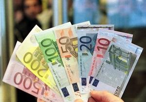 Евро на межбанке упал ниже 10,6 грн