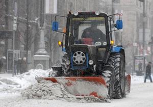 Киевские дороги будут чистить от снега круглосуточно