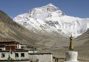 Бывший глава МИД Непала умер во время восхождения на Эверест