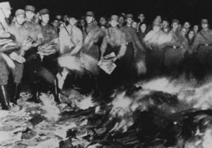 Книги Ильфа и Петрова противоречили  немецкому духу  - DW
