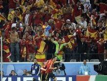 Трое испанских фанатов разгромили трамвай в Цюрихе