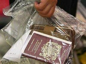 Чехия приостановила выдачу рабочих виз гражданам Украины
