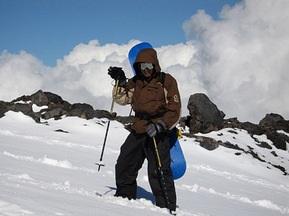 60 рятувальників шукають організатора турніру з фрірайду, що потрапив під лавину
