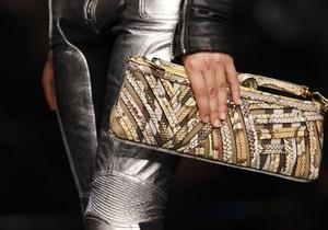 Продажи модного дома Burberry выросли на 33%
