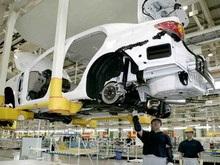 Toyota начнет выпускать гибрид Camry в 2010