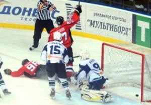 Хоккей: Донбасс в напряженном матче одолел подмосковный Титан