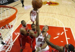 Плей-офф NBA: Чикаго выходит вперед в серии с Атлантой